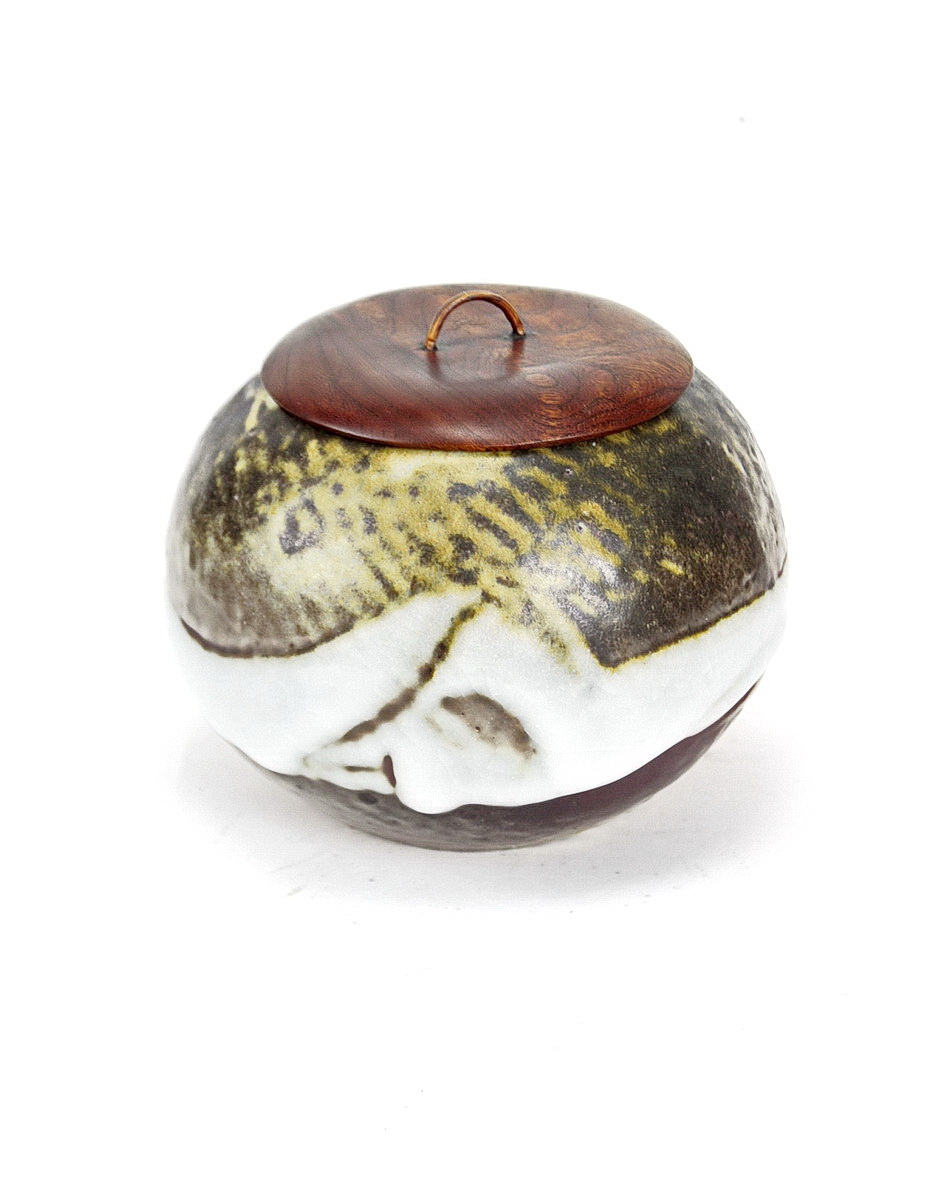 Ken Matsuzaki stoneware ceremonial hot water vessel for tea ceremony. Wooden lid