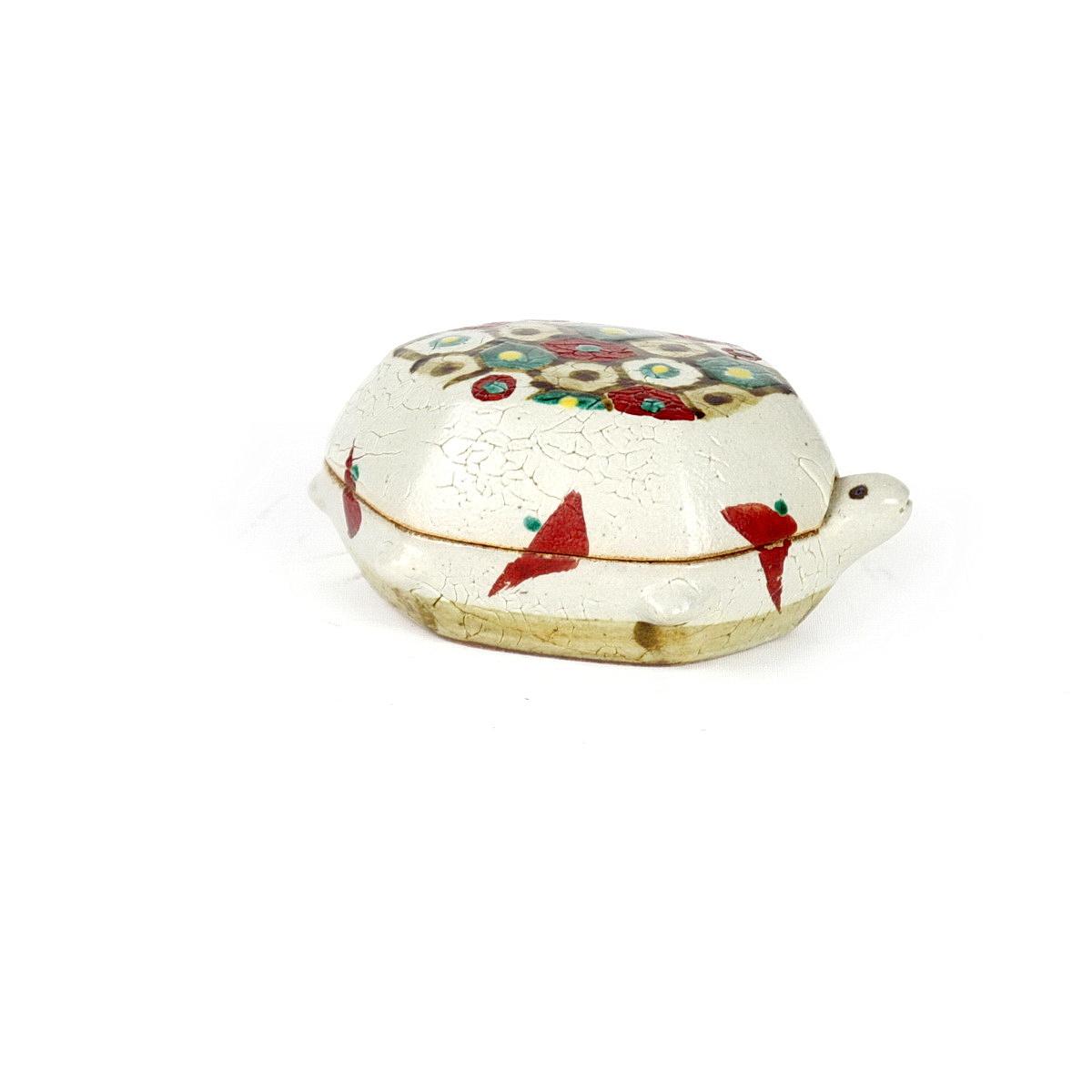 Tomoo Hamada stoneware tutrle shaped box with glaze decoation to the top.